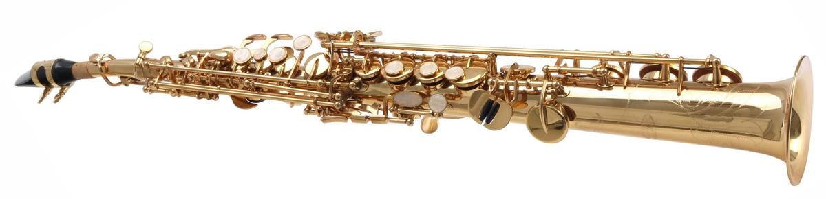 Das Sopransaxophon in gerader Bauweise sieht für ein Saxophon eher untypisch aus.