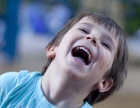 Klasse Kreativ-Kiste! Darum sind Cajons super für Kinder – unsere Top 5!