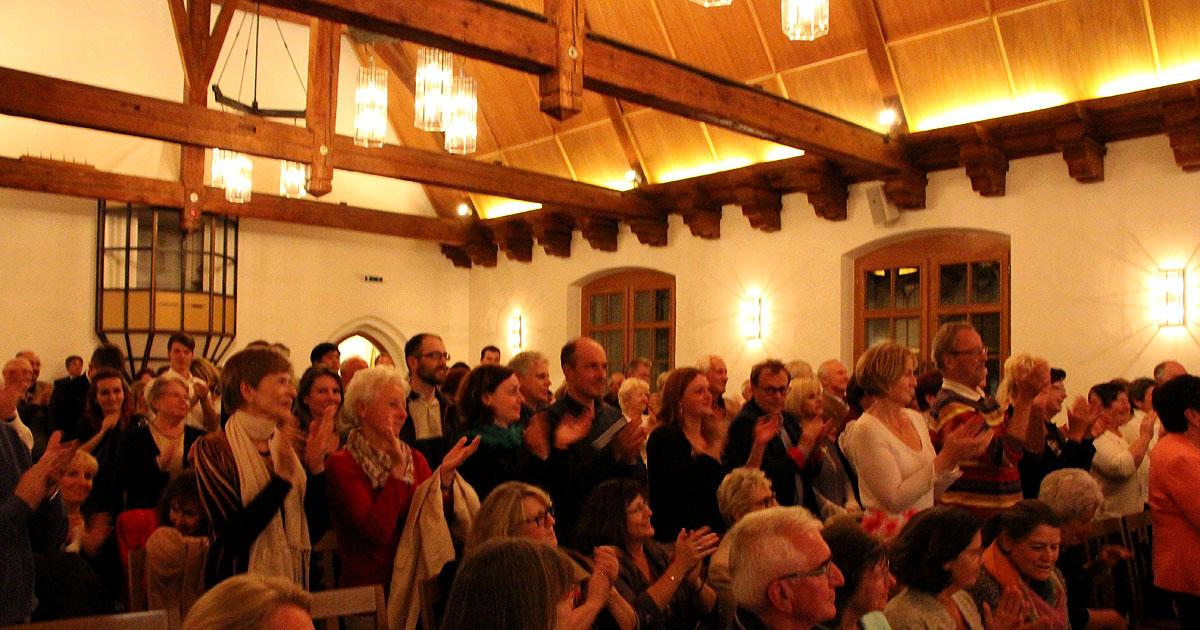 Das Publikum bedankte sich bei den Künstlern mit Standing Ovations.