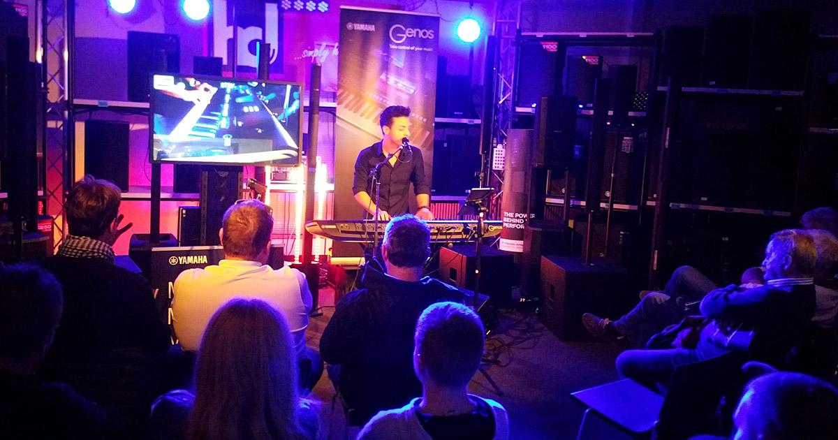 Piero Lama präsentiert die neue digitale Yamaha-Workstation Genos.