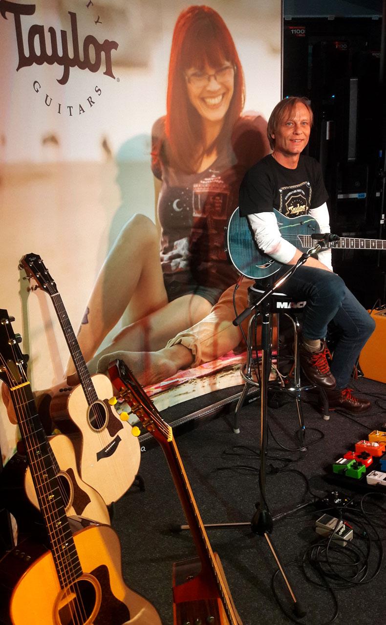 Taylor Road Show 2017 im Musikhaus Kirstein mit Stephan Fuchs und Simon Tächl.