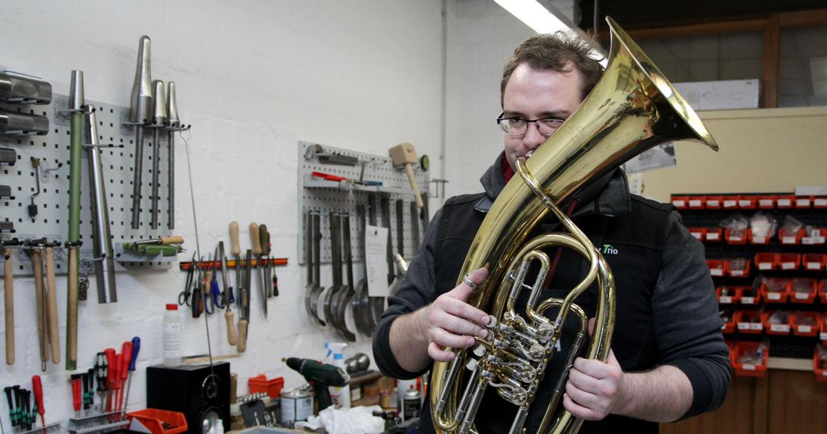 Das Instrument ist wieder bereit, gespielt zu werden.