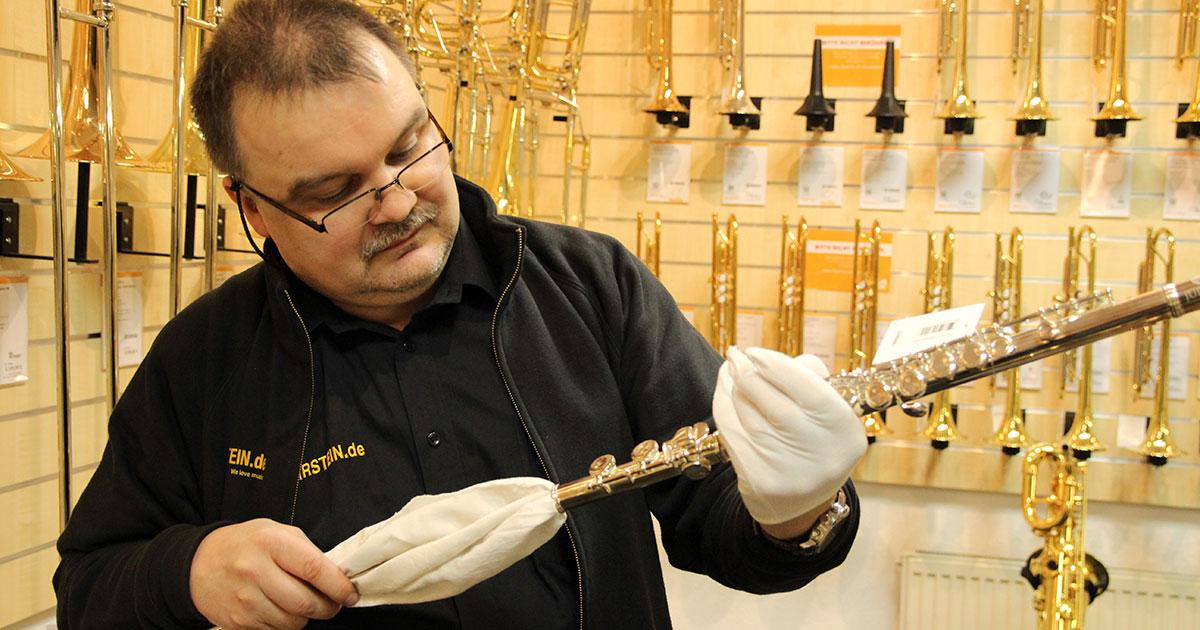 Unser Holzblasinstrumentenmacher Markus.