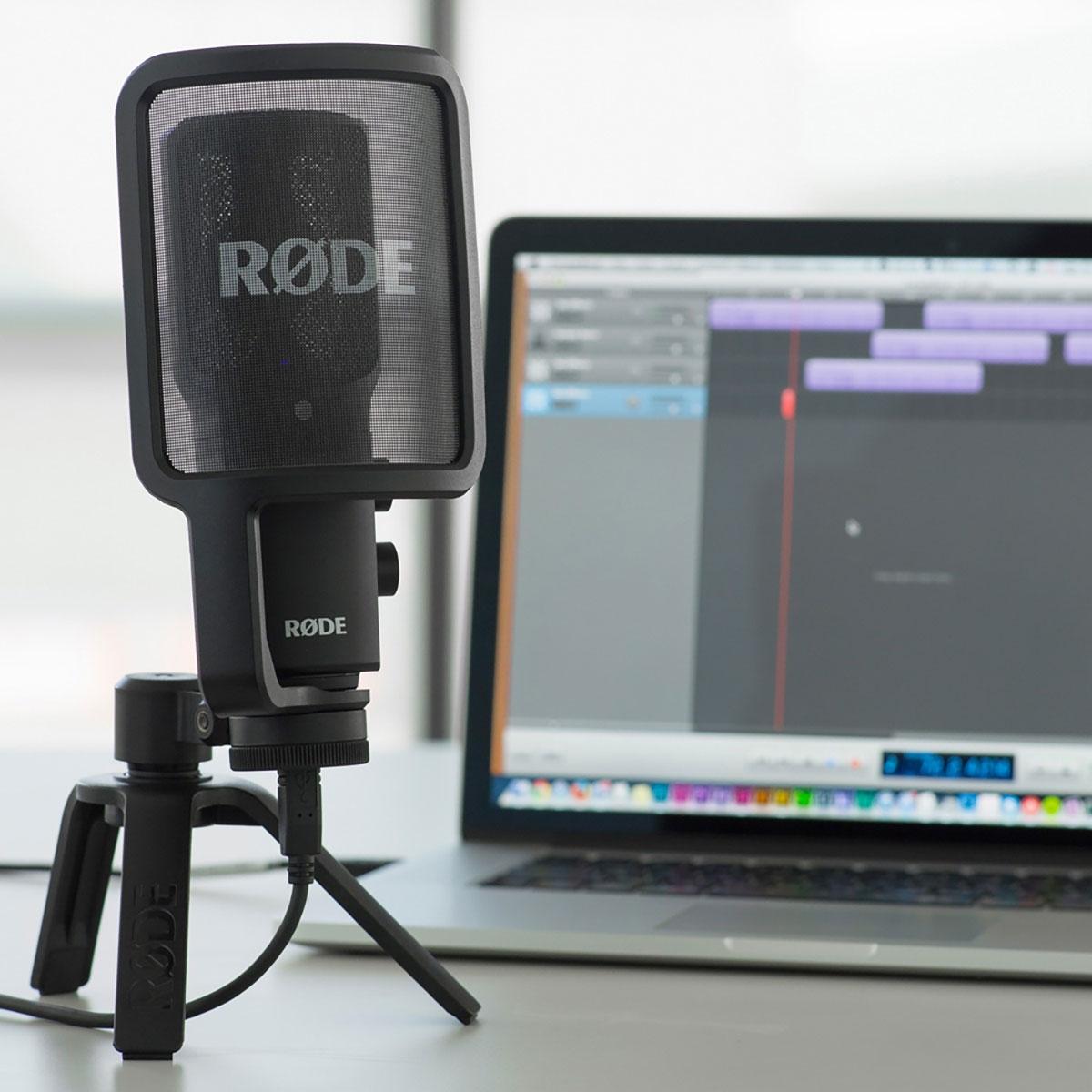 Das Rode NT-USB hat alles, was man zu einem unkomplizierten Einstieg ins Podcasting braucht.