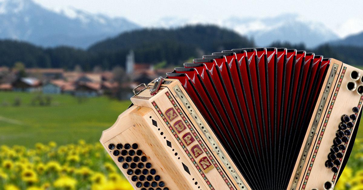 Das Musikhaus Kirstein präsentiert auf der Musikmesse 2017 in Frankfurt die schönsten und neuesten Modelle der Marken Zupan, Alpenklang und Loib.