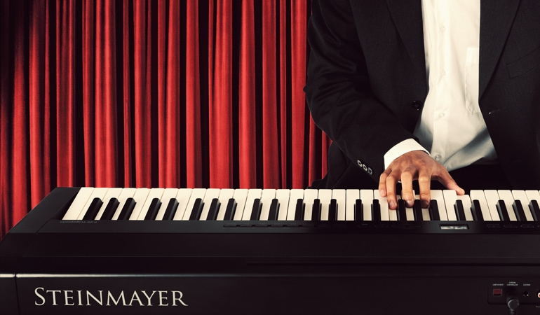 NEW: Steinmayer P-60 Stagepiano
