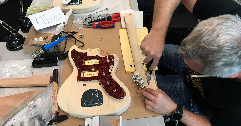 DIY-Gitarren-Workshop von Musikhaus Kirstein beim Guitar Summit.