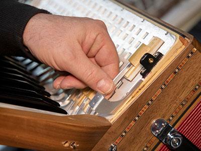 Handzuginstrumente