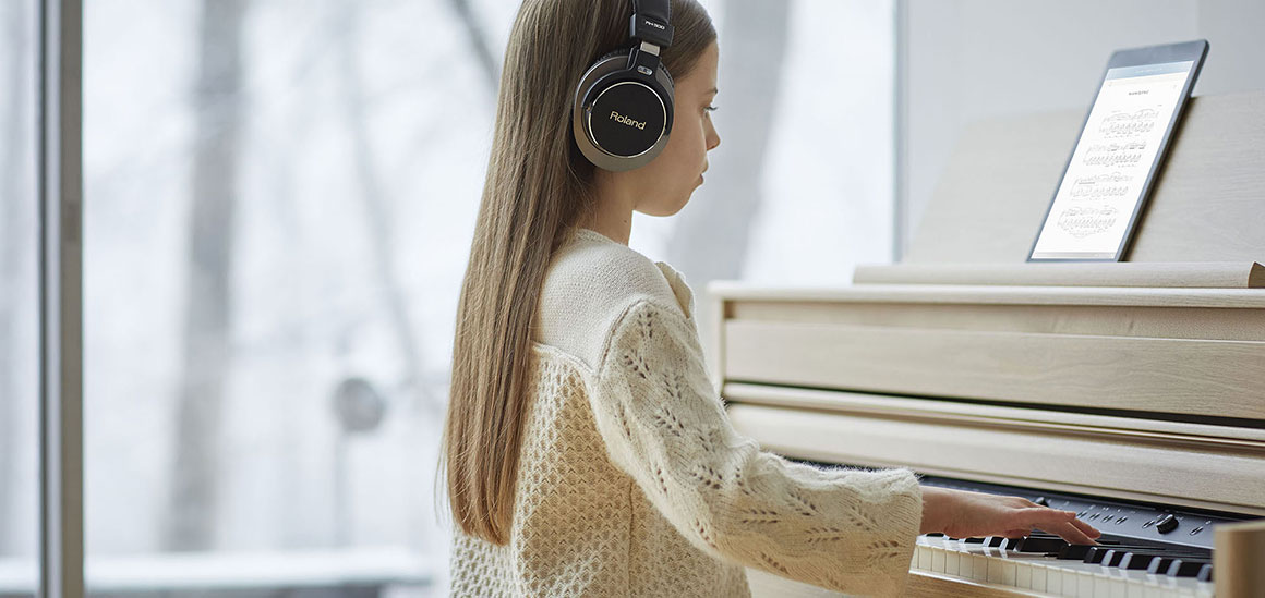 Roland HP702 Üben und spielen über Kopfhörer und Bluetooth