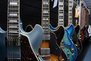 Kirstein bietet eine riesige Auswahl an E-Gitarren.