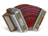 Strasser 3/II Classic Harmonika 3-reihig, 2-chörig G-C-F, mit X-Bass, Nussholz/Rot