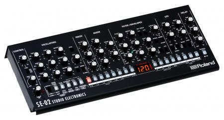Roland SE-02 Boutique Analoger Synthesizer