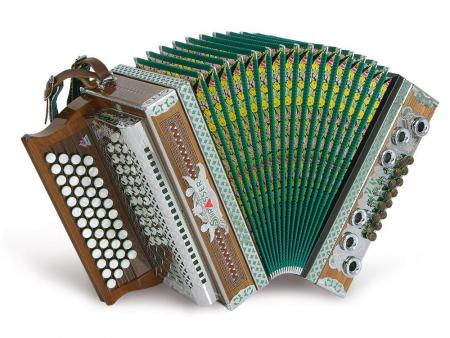 Strasser 4/III Professional accordeon 4 rijig, 3 rieten G-C-F-B