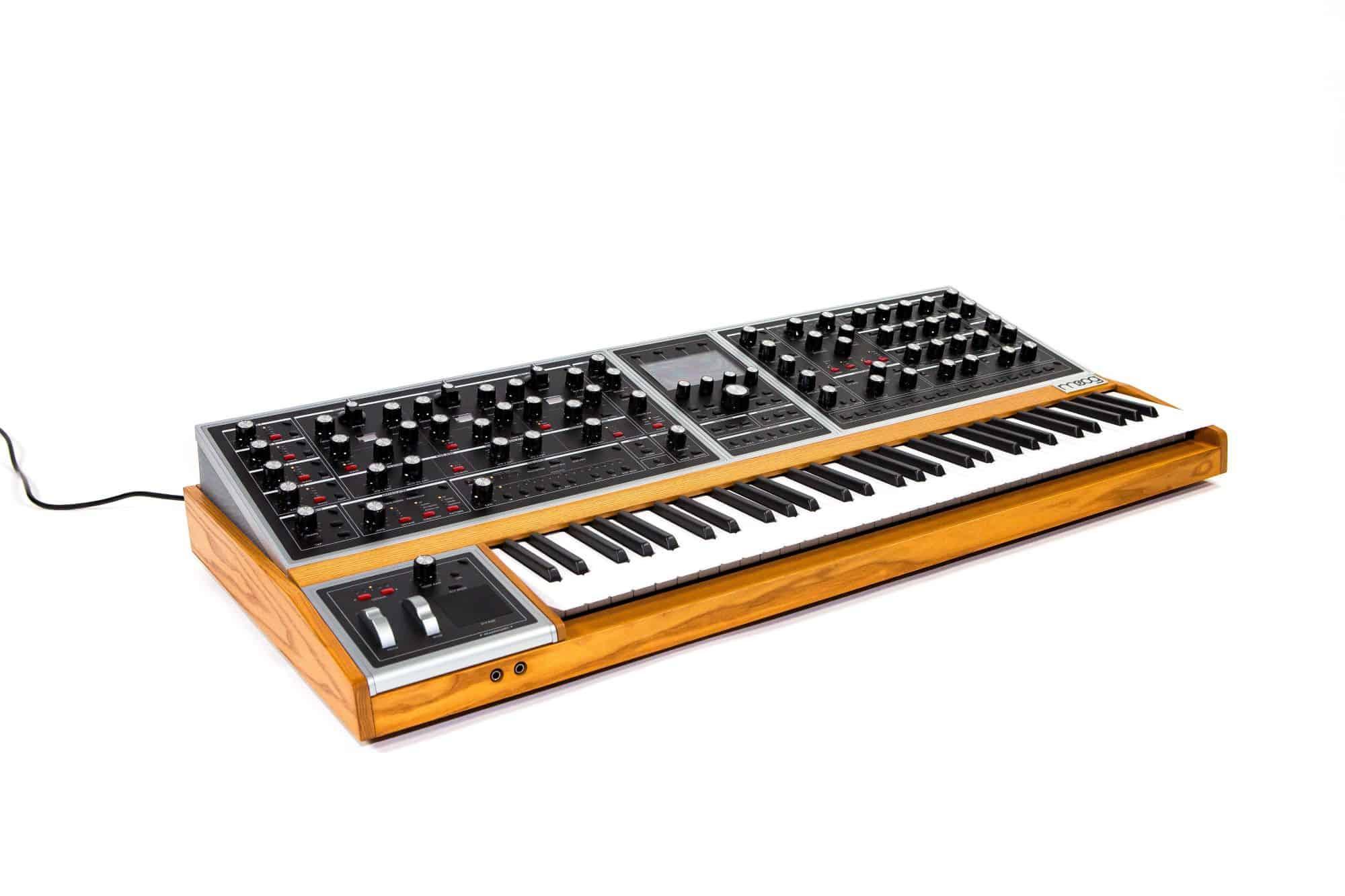 Synthesizer - Moog One 8 - Onlineshop Musikhaus Kirstein