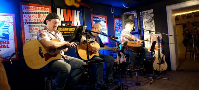 December Project werden im Rahmen des Taylor-Abends unplugged einige Songs performen.