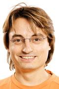 Der Tyros 5 Experte im Musikhaus Kirstein ist Stefan Mayr