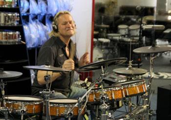 Drum-Workshop mit Dirk Brand. Foto © Musikhaus Kirstein GmbH.