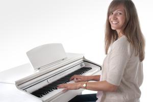 Mit seinem Modell DP-50 bringt Classic Cantabile ein E-Piano auf den Markt, das trotz seines überraschend günstigen Preises in keinem Augenblick auf Qualität verzichtet. Auf dem Foto ist das DP-50-WM weiß matt abgebildet. Foto © Musikhaus Kirstein GmbH.