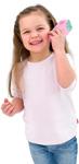Kleines Mädchen schüttelt selbstgemachten Shaker