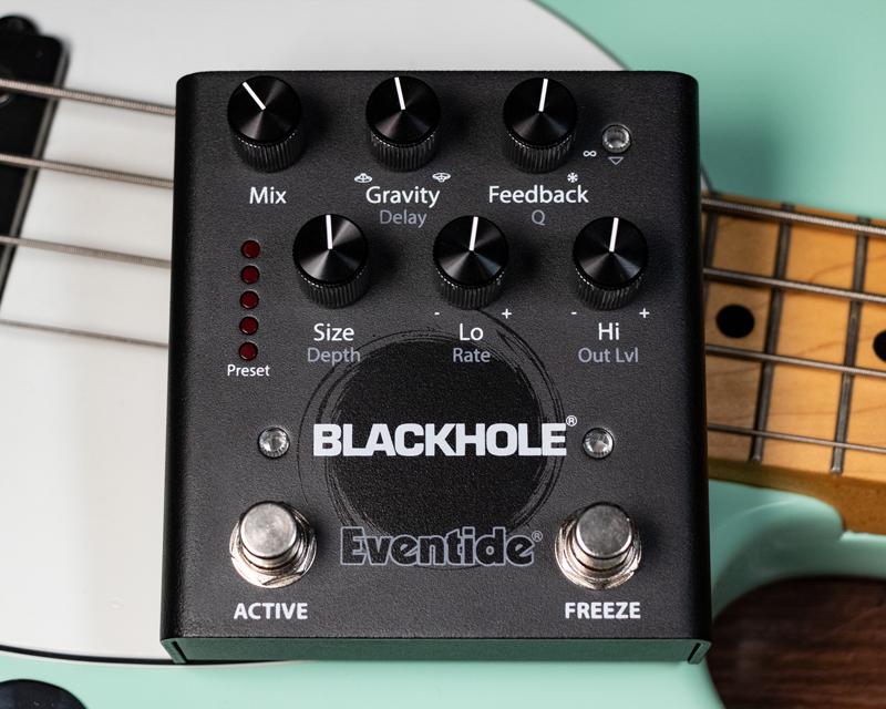 Blackhole-Bass